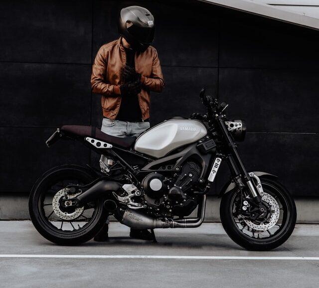 Fordele og ulemper ved at have bil vs motorcykel 1