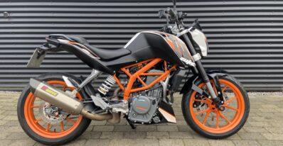 KTM 390 Duke 2015 1
